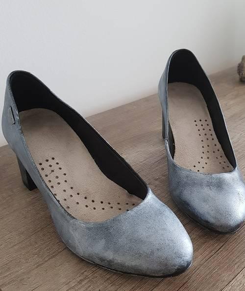 Homemade Handsome Schuhe Bemalen